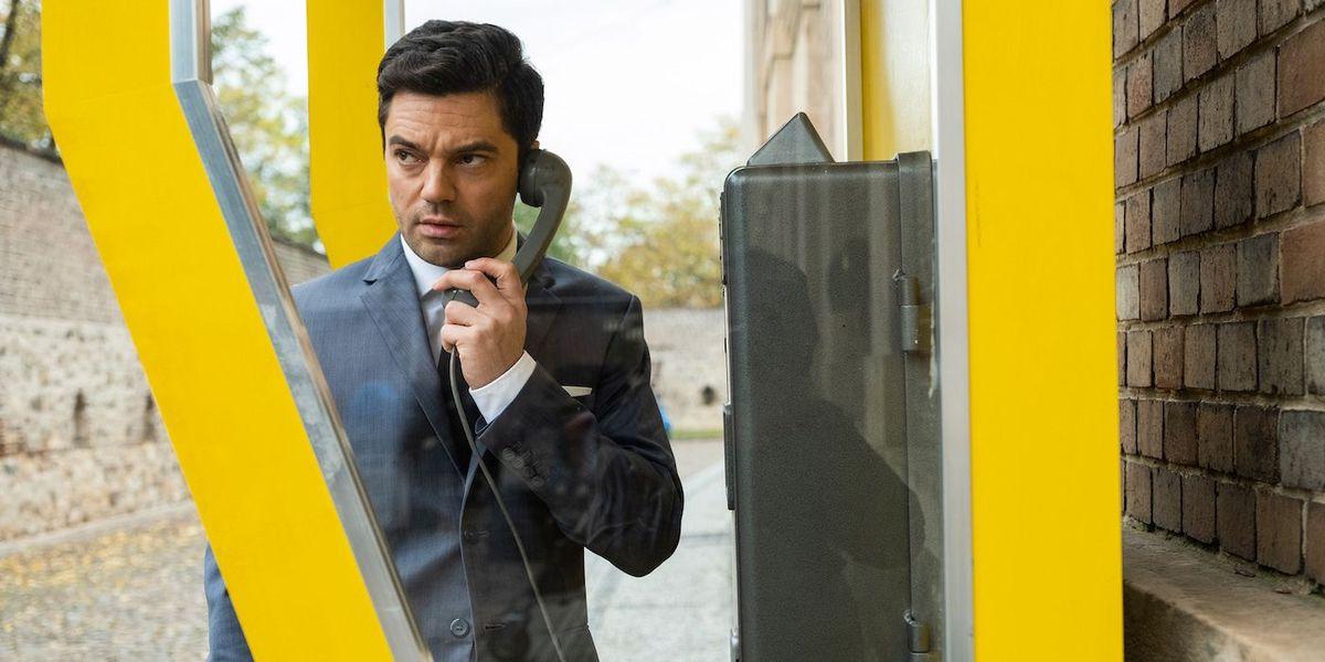 Dominic Cooper leverer 60-talls swagger i første bilder fra AMC + Espionage Drama 'Spy City'