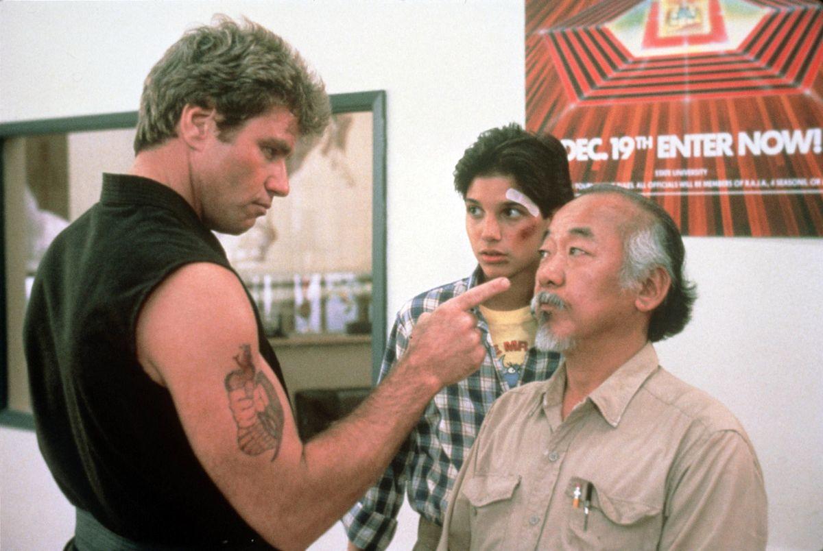 Assista: Criadores de 'Cobra Kai' revisitam 'The Karate Kid' e provocam a 3ª temporada no Collider Movie Club